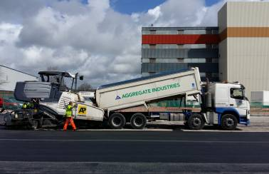 Aggregate Industries helps customer win tender with crack-resisting asphalt