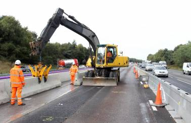 Charcon Construction Solutions supplies new concrete barrier on M6 motorway