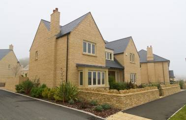 Aggregate Industries supplies products to Redrow development